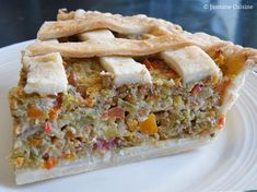 """My favorite savory pie! This very tasty `` vegetarian pie & . - My favorite savory pie! This very tasty """" vegetarian pie & combines the flavors of 7 v - Super Healthy Recipes, Healthy Crockpot Recipes, Cooking Recipes, Meal Recipes, Tortiere Recipe, Vegetarian Pie, How To Eat Paleo, Fish Recipes, Vegetarische Rezepte"""
