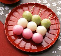 Three Colour Dango Dumplings - I REALLY WANT TO MAKE THIS!!!