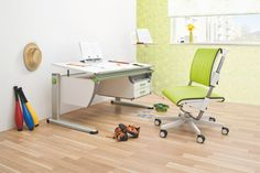 moll Booster ergonomic table in white finish with the white Scooter chair in green upholstery.