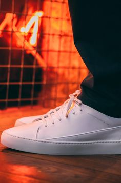 Modèle Jak Mercury blanc.  #blog #pinterestfashion #mode #menstyle #fashion #lookdujour #tenuedujour #style #fashionstyle #look #chic #men #menswear #menfashion #shoes #tennis #commeuncamion #bretagne #sneakers #fashionblogger #shooting #whitesneakers #dressing #design #colors Dressing Design, Men Dress, Dress Shoes, Look Chic, Mercury, Sneakers, Marie, Tennis, Oxford Shoes