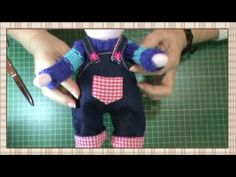 Tutorial Pepito comunión: Peto y tafetan - YouTube Foam Crafts, Diy And Crafts, Sewing Projects, Projects To Try, Doll Videos, Cat Doll, Sewing Dolls, Soft Dolls, Fabric Dolls