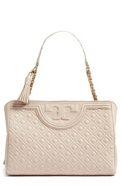 Tory Burch Handbag Obsession! #styleideas #LexWhatWear #holidayoutfit #outfitideas #styleblogger #fashionblogger #fashion #style #blogger #weekendoutfitideas #rendwatch #outfits