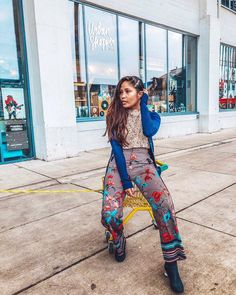 Spring is almost in the air #spring2018 #floralprint #pants #fashiongoals