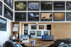 Huone 1805: 10 000 tuhannen järven maa. Metsä sekä luonto ylipäätään ovat jotain mitä sekä suomalaiset että virolaiset rakastavat. Tässä huoneessa voi nukkua vuoden 2015 Vuoden Luontokuva -näyttelyn valokuvien ympäröimänä. #originalsokoshotelviru #eckeröline