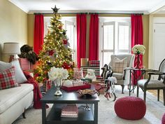 We love this black & white living room designed by Britany Simon and Brian Patrick Flynn  http://www.hgtv.com/decorating-basics/black-and-white-holiday-decor/pictures/index.html?soc=hpp