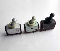 Old Soviet toggle switch. Used on the devices for military purposes. Two silvery is new, without the traces of solder on the contacts. Remained 1 pcs silvery. Designed for 250W, 220V, 5A