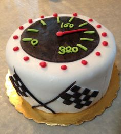 Mens Birthday Cake Themes/Oh my gosh.  How cool.  I may have to do something similar to this for Jamie.