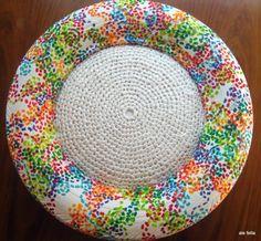 Eco -Diseño/ Pouf. Pouf realizados con neumaticos de camioneta, de auto y de motos con almohadon reciclado tejido con bolsas de plasticas. Pintado a mano./Eco-Design / Pouf. Pouf made from tires of truck, car and motorcycle cushion recycled plastic woven bags. Hand painted.  https://www.facebook.com/168693243205110/photos/a.614107525330344.1073741856.168693243205110/614108135330283/?type=3&theater