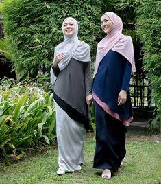 Image may contain: 2 people, people standing and outdoor Hijab Niqab, Hijab Chic, Hijab Outfit, Abaya Fashion, Modest Fashion, Women's Fashion, Abaya Style, Muslim Dress, Girl Hijab