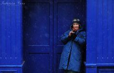 Pantone 286 (eskimo lady) Pantone 286, Raincoat, Lady, Jackets, Blue, Fashion, Rain Jacket, Moda