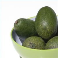 Avocados contain essential nutrients for myelin sheath repair. Article lists the benefits of many foods and vitamins for brain health and repair Avocado Health Benefits, Matcha Benefits, Cidp, Natural Antibiotics, Homemade Face Masks, Matcha Green Tea, Brain Health, Multiple Sclerosis, Facial Masks