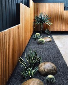 27 Affordable And Minimalist Garden Design Ideas. Here are the And Minimalist Garden Design Ideas. This article about And Minimalist Garden Design Ideas was posted under the … # Backyard Garden Landscape, Small Backyard Landscaping, Modern Landscaping, Backyard Patio, Landscaping Design, Backyard Designs, Patio Fence, Fence Garden, Garden Beds