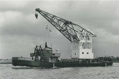 Bnr. 353 (Co. 1128) (1966) 'London Atlas' 60 ton eigen aandrijving foto: St. Erfgoed Werf Gusto fotograaf: Onbekend