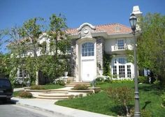 Chris Tucker is on the move. The actor aka Jackie Chan's sidekick in the Rush Hour trilogy has listed his Tarzana, CA mansion for $2,499,000.