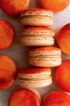 Peach Cobbler Macarons — b. Macaron Filling, Macaron Flavors, Peach Cookies Recipe, Sweet Desserts, Just Desserts, Delicious Desserts, Yummy Food, Mini Desserts, Cooking