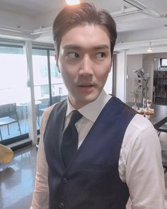 Image shared by ʀᴏᴄᴋs✞ᴀʀ. Find images and videos about super junior, donghae and eunhyuk on We Heart It - the app to get lost in what you love. Choi Siwon, Lee Donghae, Eunhyuk, Korean Men, Korean Actors, Super Junior Donghae, Kim Heechul, Kim Jung, Asian Babies