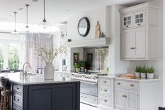Half Windsor - Weybridge Project - Nickleby Kitchen by Humphrey Munson - Grey painted cabinetry - classic contemporary kitchen - Interior Design Open Plan Kitchen Diner, Open Plan Kitchen Living Room, New Kitchen, Kitchen Dining, Kitchen Ideas, Kitchen Cabinets, Kitchen Layout, Kitchen Inspiration, Kitchen Decor