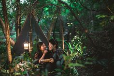 Cozy Forest Glow | Outdoors | Hong Kong Pre-wedding | Engagement Shoot | Casual | Relaxed | Lau Shui Heung Reservoir | Warm | http://brideandbreakfast.hk/2016/11/07/cozy-forest-glow/