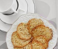 Har du smakt havreflarn, så kjenner du nesten den karamellaktige smaken på disse kjeksene bare ved å nevne navnet. French Toast, Food And Drink, Cheese, Baking, Breakfast, Sweet, Den, Tips, Morning Coffee