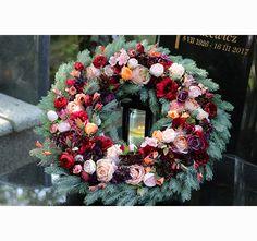 Barwne Wspomnienia, wieniec pogrzebowy / wiązanka nagrobna Floral Wreath, Wreaths, Flowers, Tips, Floral Crown, Door Wreaths, Deco Mesh Wreaths, Royal Icing Flowers, Floral Arrangements