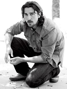 Google Image Result for http://www.esquire.com/cm/esquire/images/H4/esq-02-christian-bale-clothes-121410-lg.jpg