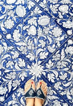 Natural Area Rugs Natural Area Rugs,Mamma Mia Materials tiles www. Blue Tiles, White Tiles, Azulejos Art Nouveau, Turkish Tiles, Portuguese Tiles, Natural Area Rugs, Tile Patterns, Tile Design, Mosaic Tiles
