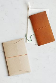 Midori - Traveler's Notebook - Large (12x22cm) - Leather Cover - Camel.