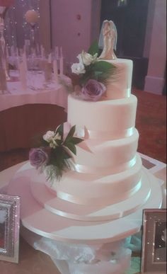 Take an inside look at what Weddings in the Limerick Strand Hotel have too offer ~ the picture below is a stunning wedding cake prepared by our in house pastry chef Janet last week. Find out more at our *Exclusive Wedding Open Day*  September 11th 2016 ~ Join us from 12pm - 5pm  Meet Our Expert Wedding Team  ~ 2017 SPECIAL OFFERS ~  Roof Top Drinks Reception - The WOW factor  Complimentary Day After Party  Find Out More - http://www.strandhotellimerick.ie/Wedding-Open-Day.html
