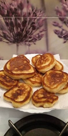 Racuchy na maślance | AniaGotuje.pl French Toast, Pancakes, Deserts, Lunch, Breakfast, Food, Morning Coffee, Eat Lunch, Essen