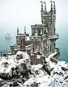The Most Stunning Fairytale Castles of Europe (The Swallow's Nest Castle, Ukraine). My Castle Hunters can help you find the castle/home of your dreams! Places Around The World, The Places Youll Go, Places To See, Around The Worlds, Beautiful Castles, Beautiful Buildings, Beautiful Places, Real Castles, Famous Castles