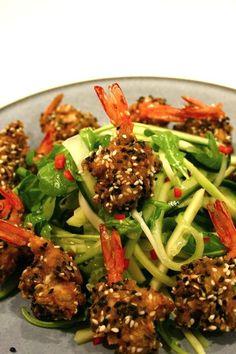 thepassionatecook: Sesame prawns with sour mango & cucumber salad