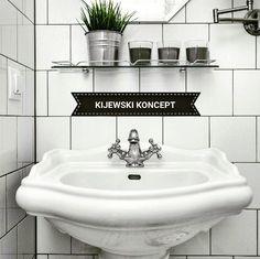 Poddasze zabytkowej kamienicy #attic #bathroom #white #paris #marble #interiordesign