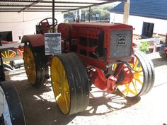 Model E 15-30 Fitch Four Drive Tractor at Museo de Tractores in Villa Carlos Paz, Argentina Antique Tractors, Vintage Tractors, Antique Cars, Farmall Tractors, Old Tractors, Lamborghini Cars, Four Wheel Drive, Ely, Farming