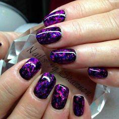purple-nails-designs-squoval-black-glossy-base-foil Gel Nail Art Polish Trends Part five 2018 Nail Art Polish Trends Gel Nail Designs 2018 Gel Nail Art 2018 Purple Nail Art, Purple Nail Designs, Gel Nail Designs, Nails Design, Purple Shellac Nails, Black And Purple Nails, Purple Glitter Nails, Purple Sparkle, Black Nail
