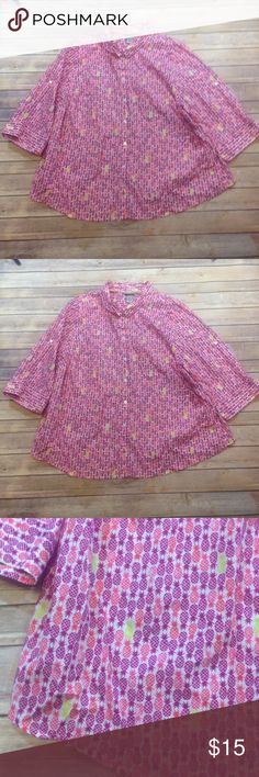 Catherine's' Pineapple Print Button Down Blouse 3X GUC. No visible defects. Cute and FUN print. 100% Cotton. Smoke Free Home. Let me know if you have any questions. Catherines Tops Button Down Shirts