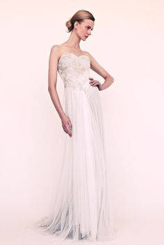 See the complete Marchesa Resort 2013 collection.