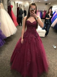 Sweetheart neck Tulle Burgundy Appliques Ball Gown Prom Dress, Beaded Sweet 16 Dress T787 by sweetdressy, $162.00 USD Sparkly Prom Dresses, Plus Size Prom Dresses, Grad Dresses, Homecoming Dresses, Quinceanera Dresses, Dress Prom, Dresses Uk, Evening Dresses, Wedding Dresses