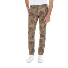 Pants in stretch cotton sateen with print allover, with elastic at the ankles. With pockets and front opening with zip and button. Ideal paired with a solid color shirt for an original folk addition.
