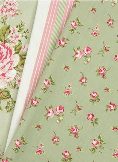 Sage green roses - linen fabric for the house Shabby Chic Furniture, Shabby Chic Decor, Chabby Chic, Green Rose, Pink And Green, Shabby Chic Kitchen Curtains, Rose Cottage, Cottage House, Shabby Cottage
