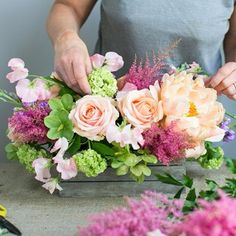 Follow our easy DIY and create your own floral centrepiece!