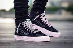 Vans X, Vans Shoes, Estilo Vans, Sneakers Fashion, Fashion Shoes, Shoe Releases, Black Men Street Fashion, Vans Outfit, Best Shoes For Men