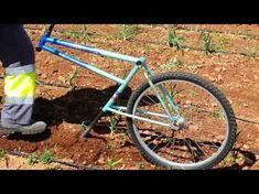 Arado Manual Biciarado || Reciclaje de bicicleta || Recycling Bike into a Garden Plow - YouTube