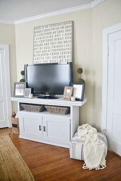 DIY TV Console Cabin