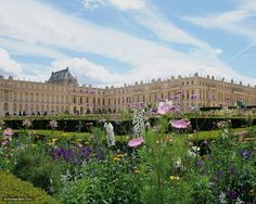 Travel round-trip from your Paris address in a private sedan/van with a personal driver. Pick-up and drop-off at your Paris hotel and priority entrance to Versailles included. Trianon Palace Versailles, Day Trip From Paris, Tours France, Paris Eiffel Tower, Paris Hotels, Girl Guides, Spring Garden, Provence, Bordeaux