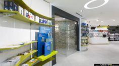 Concept personalizzato per l'arredamento della Farmacia Verghera a Samarate, Varese. Arredo artigianale su misura, ristrutturazione edile chiavi in mano.
