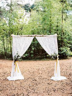 outdoor forest wedding bruiloft in bos hanke arkenbout Wedding Prep, Diy Wedding, Wedding Ideas, Fashion Photography, Wedding Photography, Spring Photos, Forest Wedding, Flower Fashion, Wedding Locations