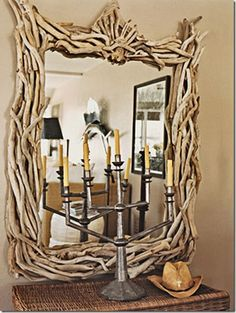 15 creative and unique DIY mirror frames. Give your mirror a unique design and make your home and bathroom look out of the ordinary. Driftwood Mirror, Driftwood Crafts, Diy Mirror, Mirror Ideas, Wall Mirror, Home Decoracion, Do It Yourself Inspiration, Branch Decor, Nature Decor