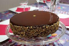 La parfaite recette du Royal (aussi appelé Trianon) d'après Imane du Meilleur Patissier, la spécialiste des entremets au chocolat et sa fameuse mousse au chocolat. Un succès royal!
