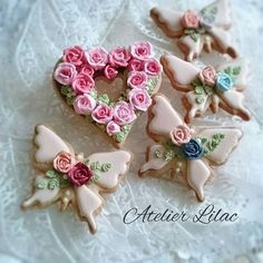 Another beautiful idea- butterfly cookies Summer Cookies, Fancy Cookies, Valentine Cookies, Iced Cookies, Cute Cookies, Easter Cookies, Birthday Cookies, Cookies Et Biscuits, Cupcake Cookies