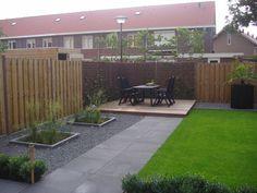 Afbeeldingsresultaat voor tuin met sierbestrating en gras